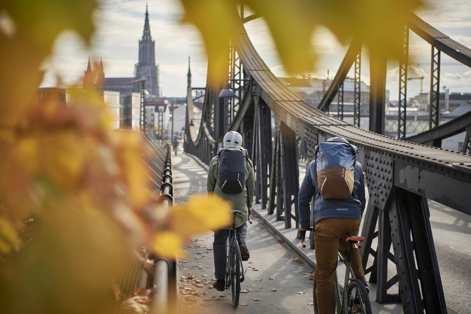 Sicher  durch  den  Herbst  mit  dem  bikester  Guide